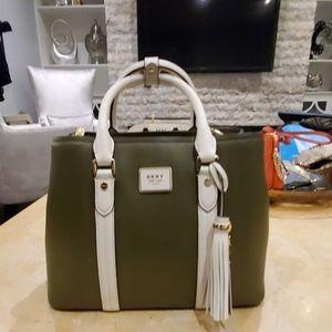 DKNY shoulder bag medium size